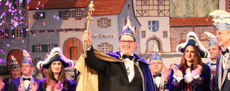 Unser Prinz Tim Steinel und seine Pagen Yasmin Appich und Marion Bopp